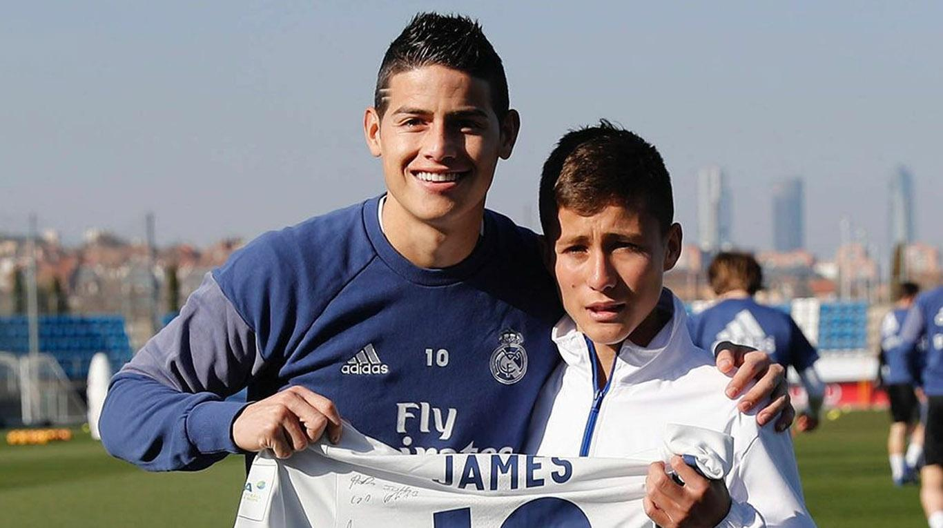 "Chapecoense First Responder ""El Niño Angel"" Meets James Rodriguez and Real Madrid"