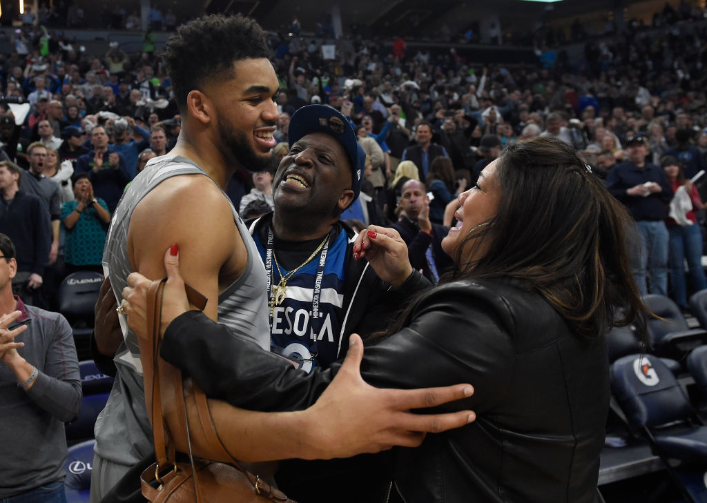 Timberwolves Star Karl Anthony Towns Becomes First Dominican To Score 2 000 Points In An Nba Season