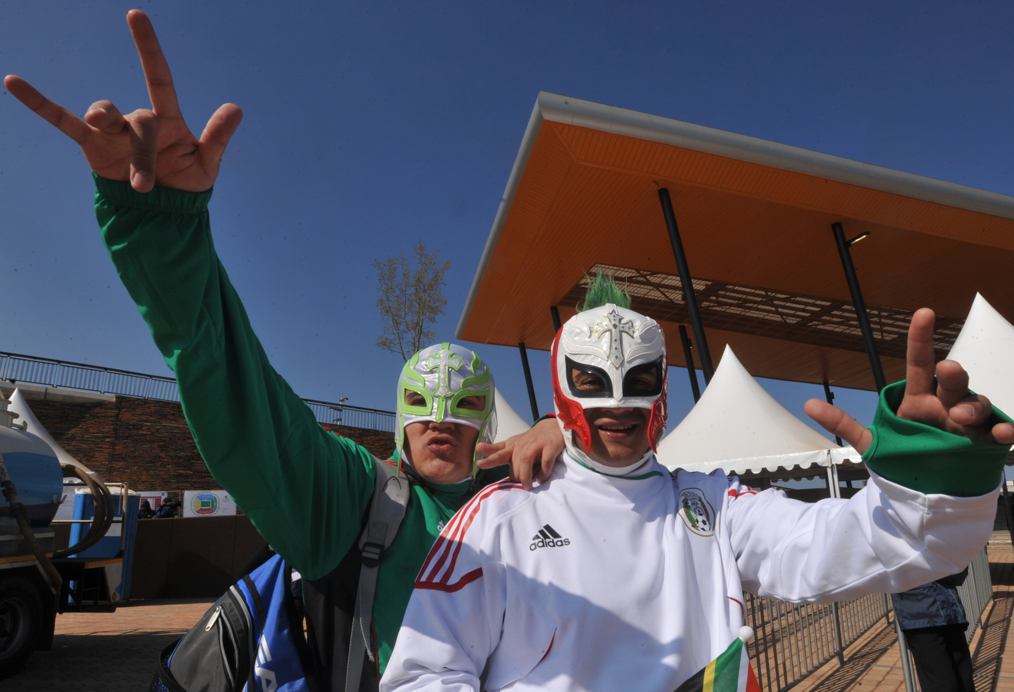"""FIFA Won't Just Fine Mexico for """"Puto"""" Chants, They May Now Stop Games Entirely"""