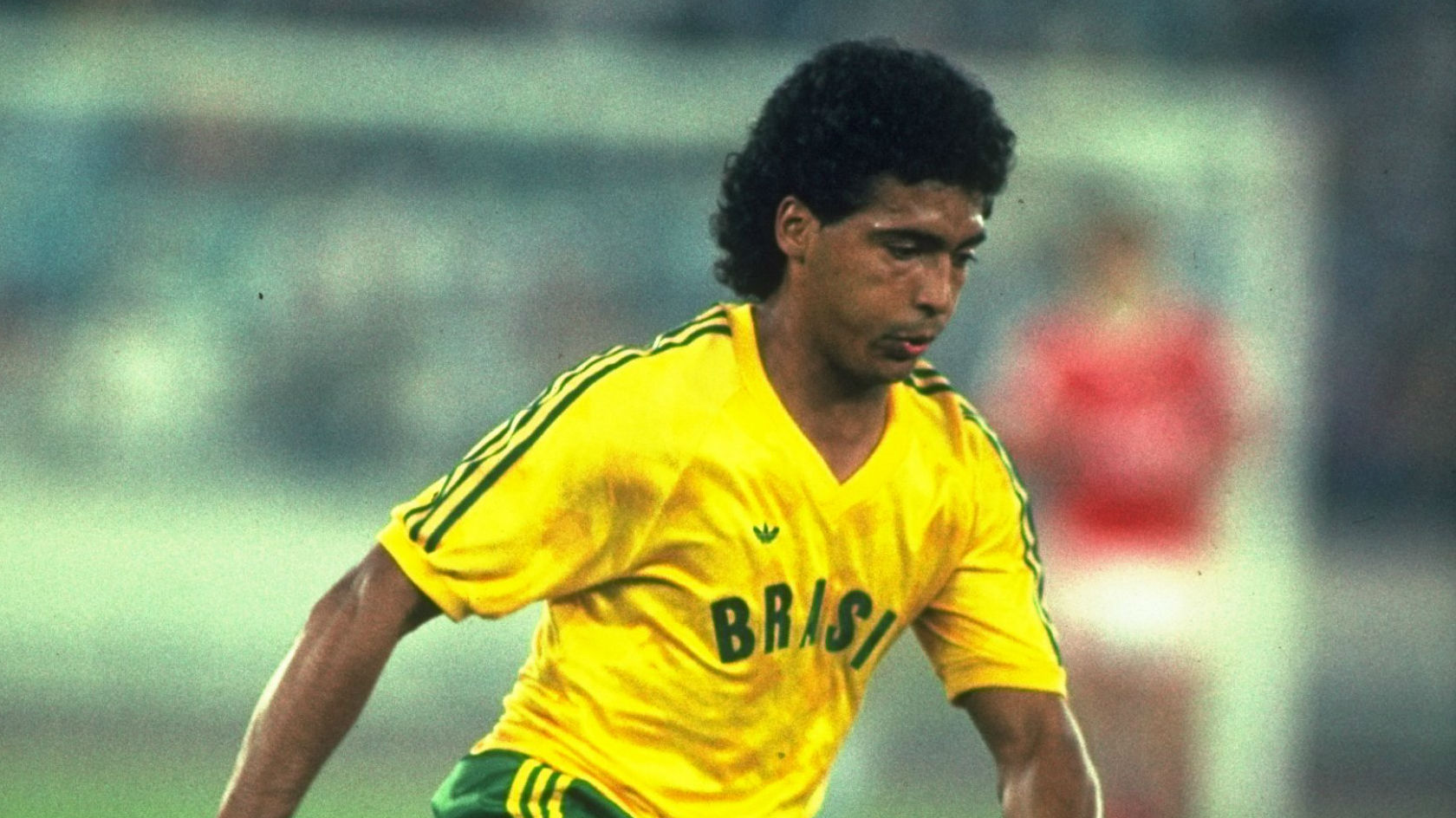 This Brazilian Page Is Resurfacing Romario s Best Goals