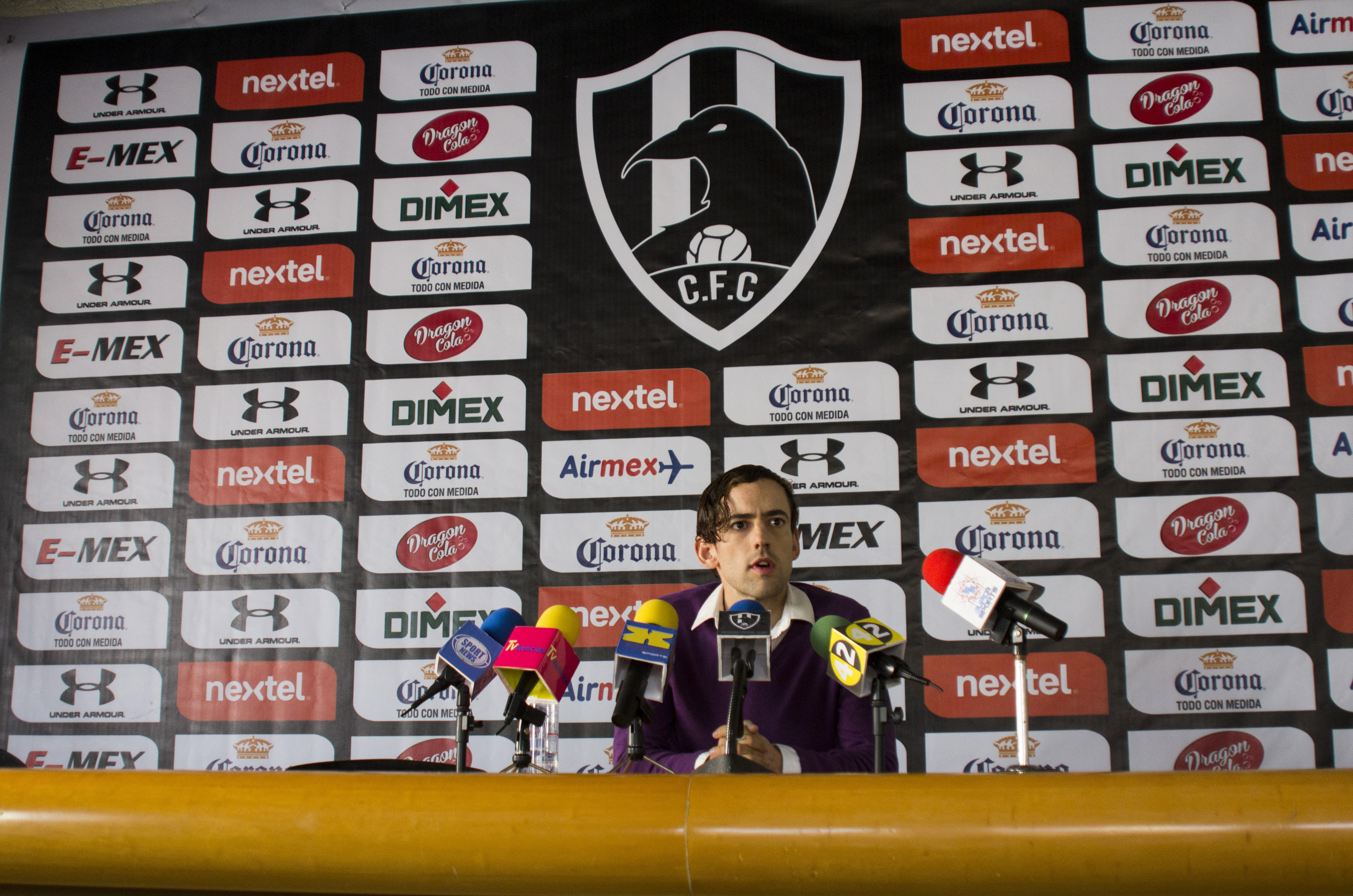 We Finally Have a Release Date for Season 3 of Netflix's Soccer Comedy 'Club de Cuervos'