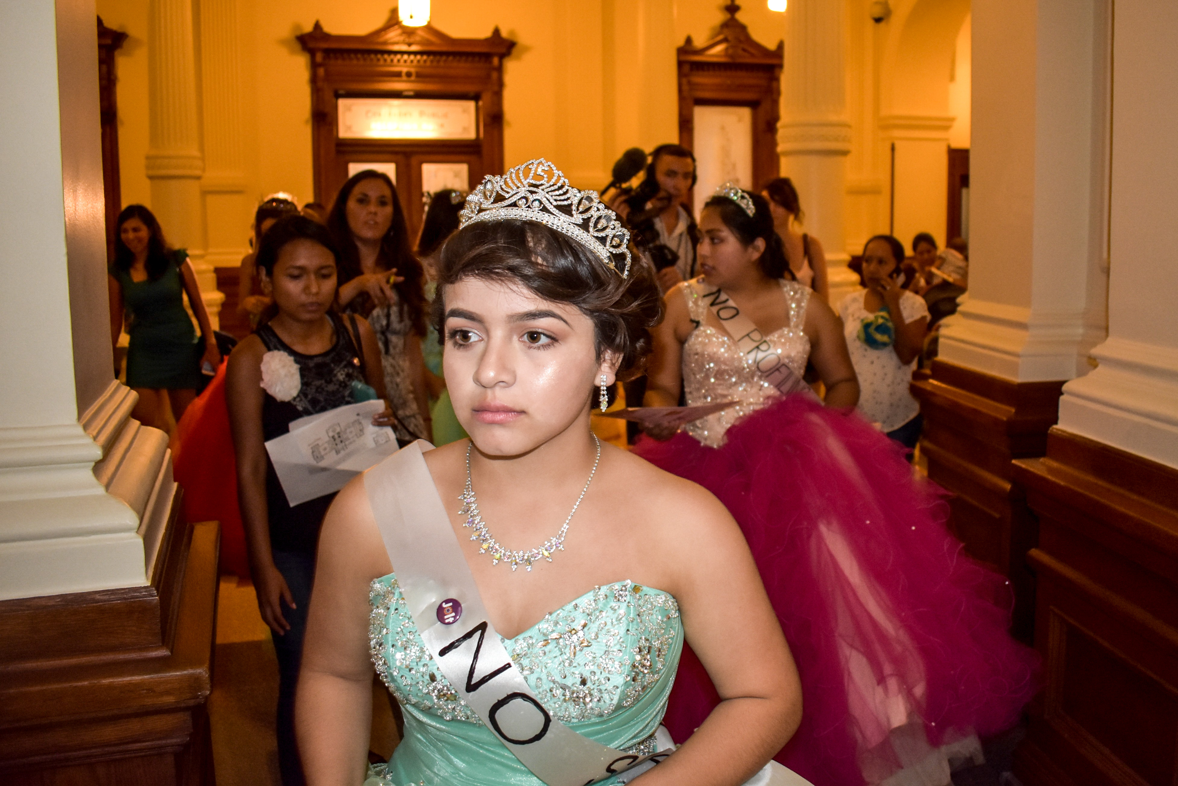 Meet 5 of the Tejana Teens Who Made This Quinceañera-Themed Protest a Success