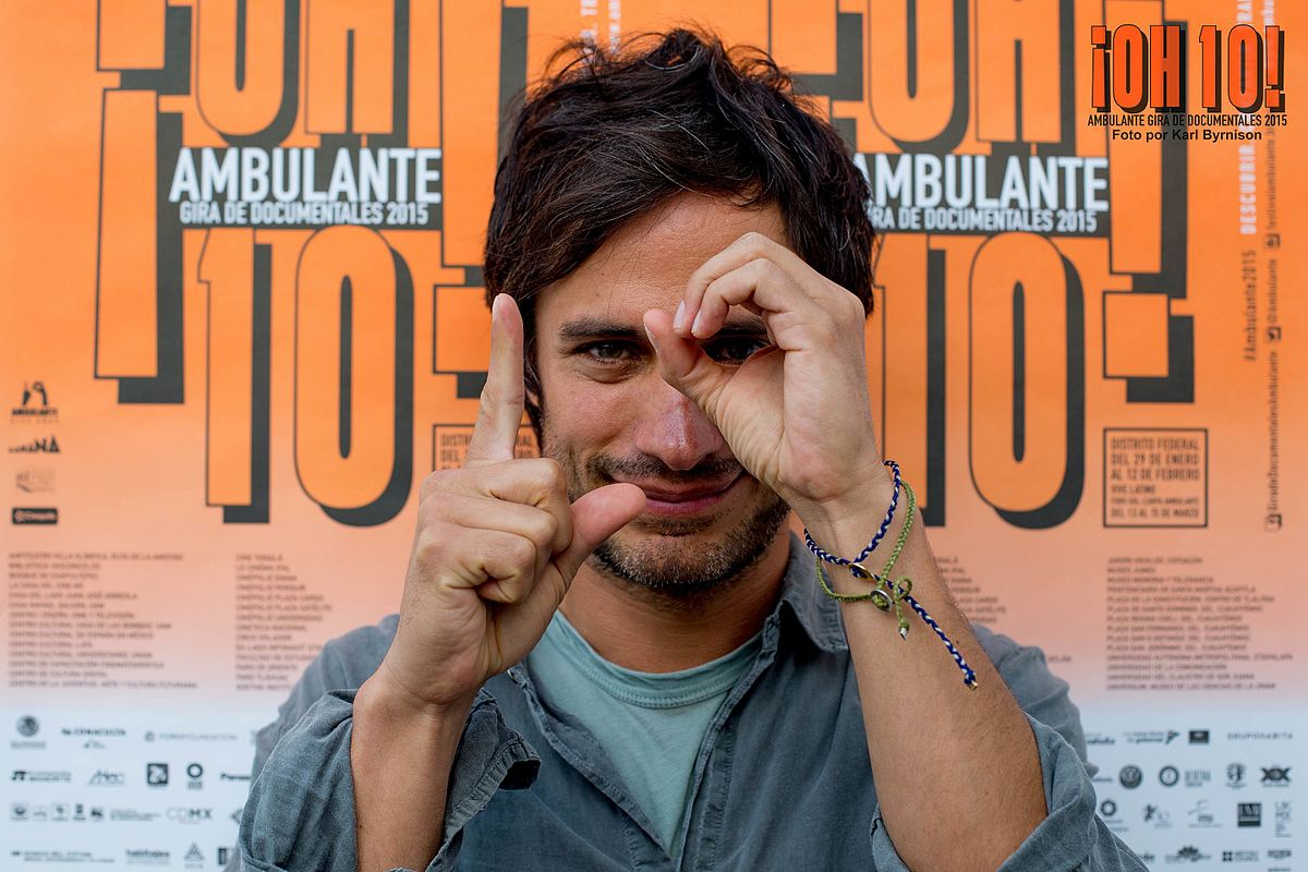 10 Steamy GIFs for Anyone Who's Hopelessly Thirsty for Gael García Bernal