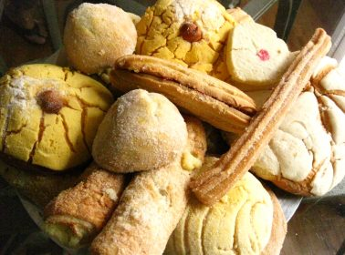 Trapped by Flooding Inside a Bakery, These Heroes Made Pan Dulce for Hurricane Harvey Victims