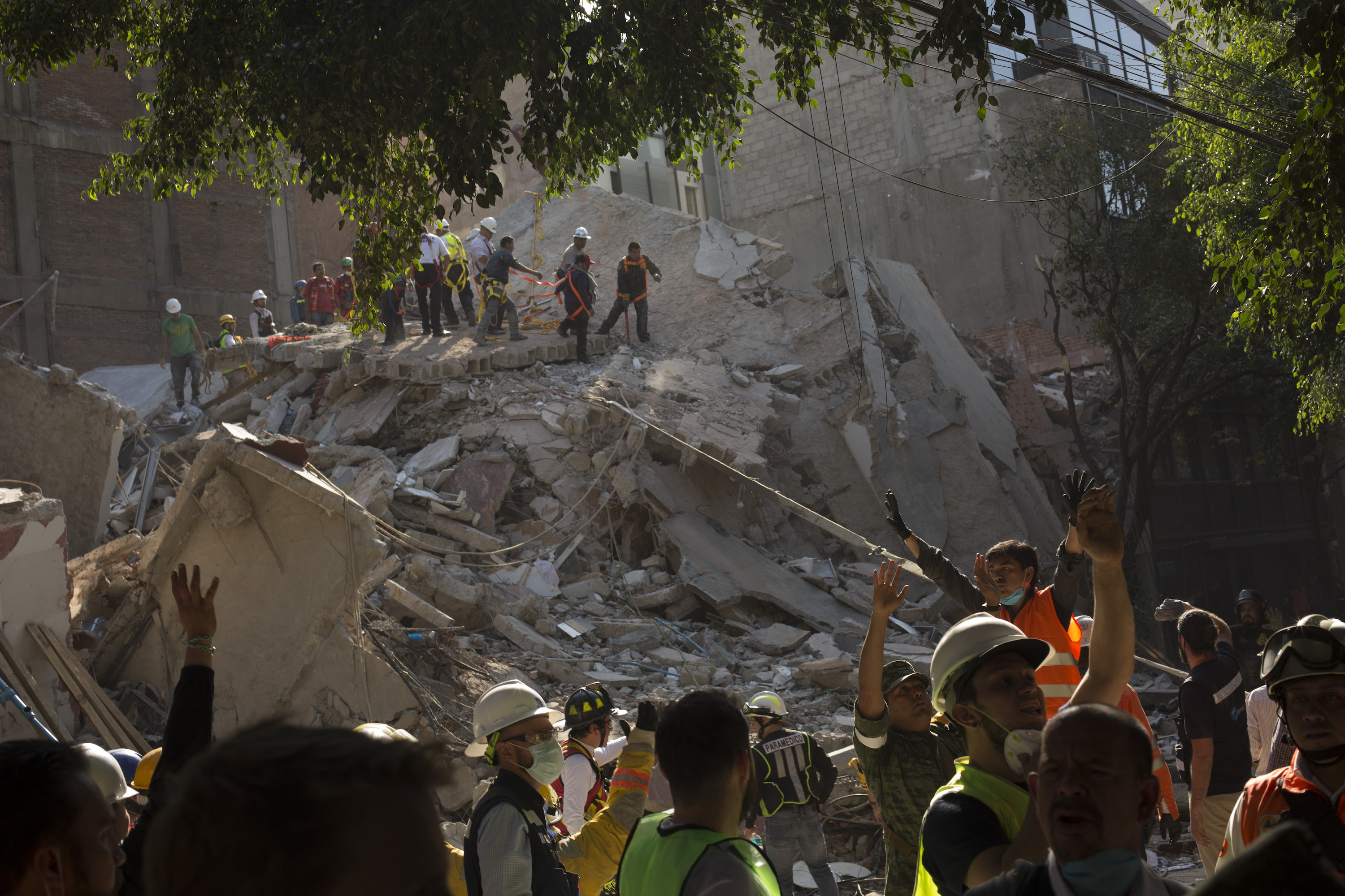 Samantha Bee's 'Full Frontal' Spotlights Mexican Feminist Brigade's Quake Rescue Efforts