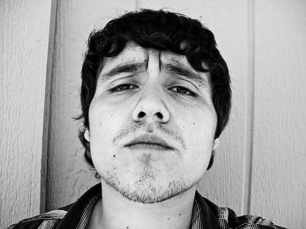 "Mexican Folk Singer Juan Cirerol: ""The DF Earthquake Should Make Me Sad, But It Doesn't"""