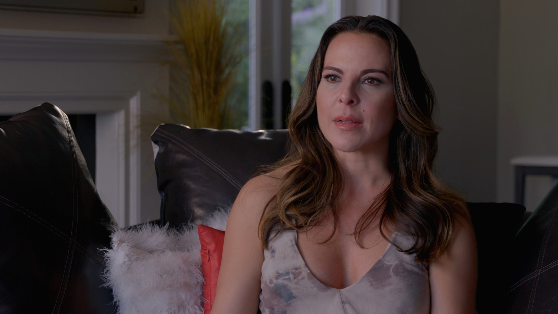 Here's All the New Chisme We Learned from Kate del Castillo's Netflix Series 'The Day I Met El Chapo'