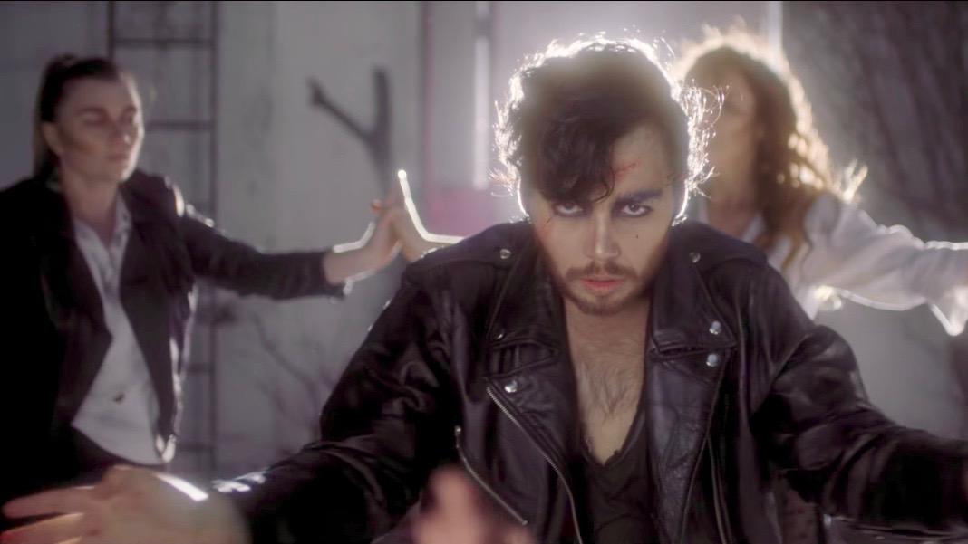 "(Me Llamo) Sebastián's ""Los Edificios"" Video Explores the Pressures of Discreet Queer Romance"