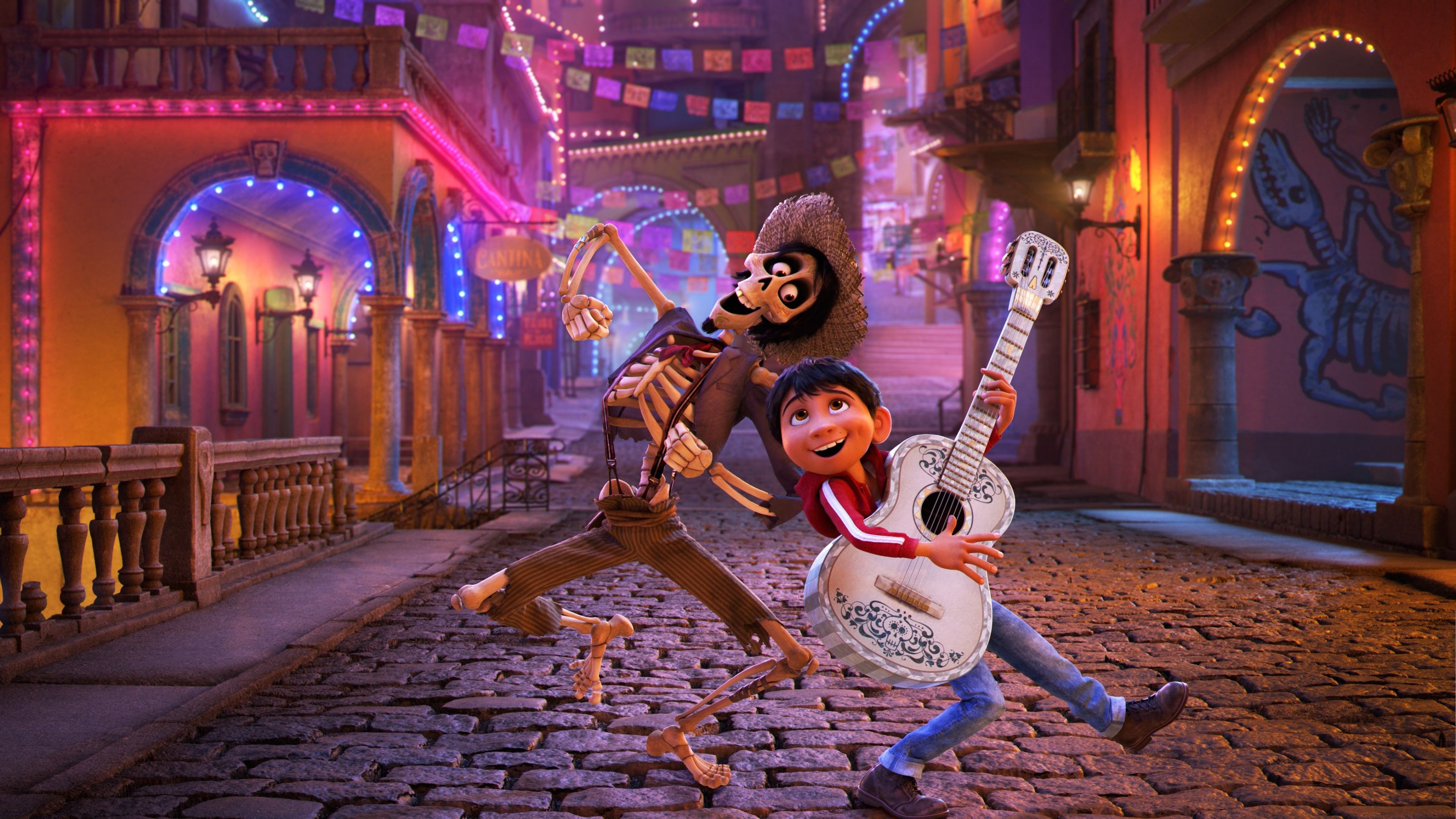 Immigrant Caravan Treated to an Outdoor Screening of 'Coco' in Oaxaca