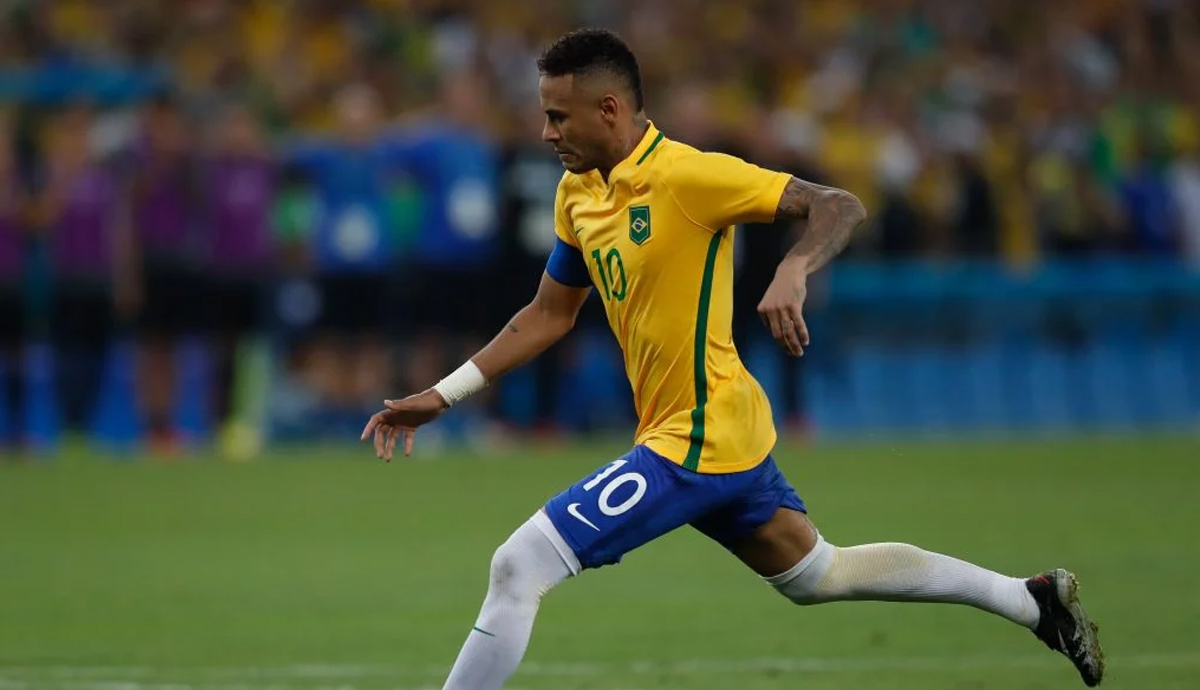 """People Are Roasting Neymar For Calling It """"Inhumane"""" to Play in the High Altitude of Bolivia"""