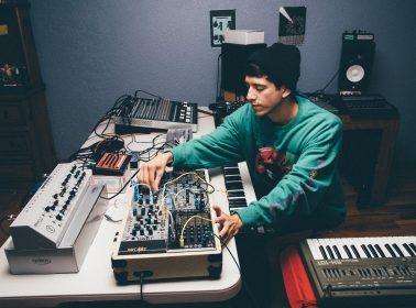 Mexican Avant-Garde Festival Mutek.MX Is Helping Kids Explore Music & Tech in CDMX