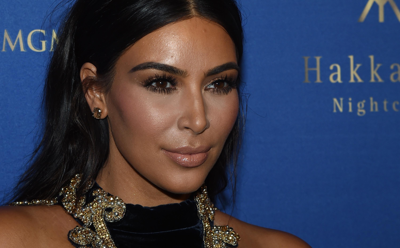 "Kim Kardashian Dressed Up As Selena for Halloween and Tried to Dance to ""Bidi Bidi Bom Bom"""