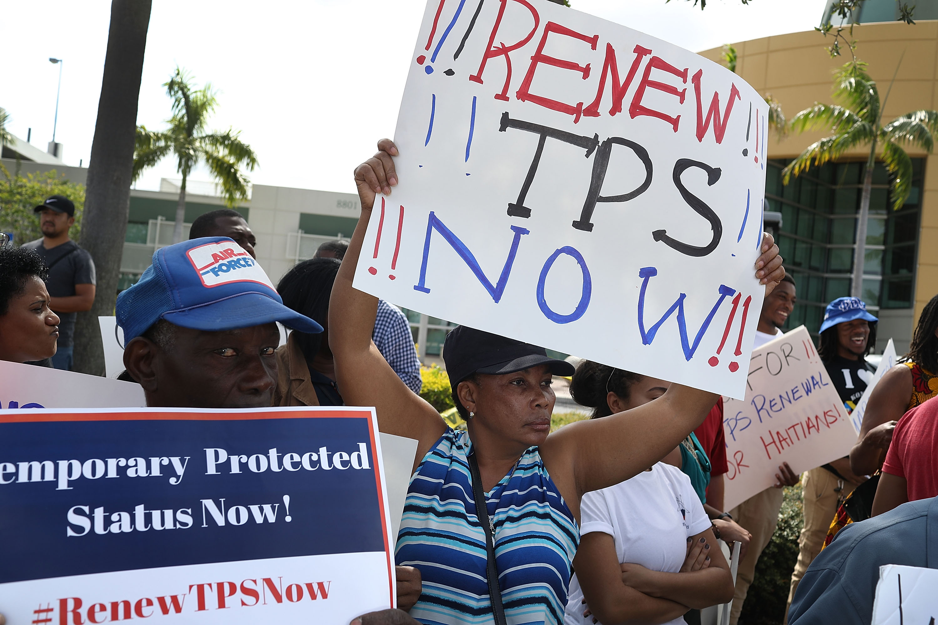 Central Americans Question Why #SaveTPS Hasn't Garnered Same Support as DACA