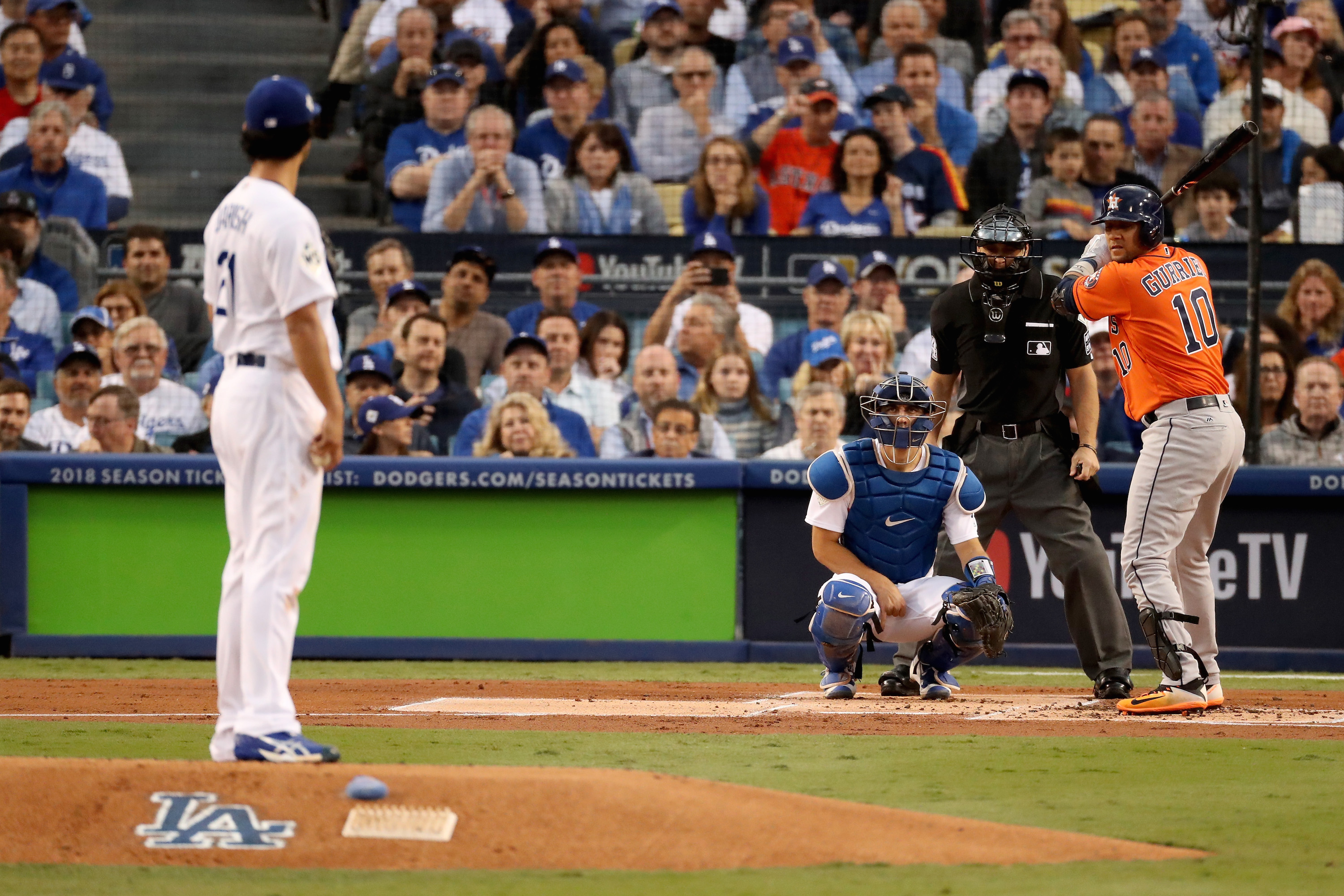 After Racist Gesture, Yuri Gurriel Apologetically Tips Hat to Dodgers Pitcher Yu Darvish
