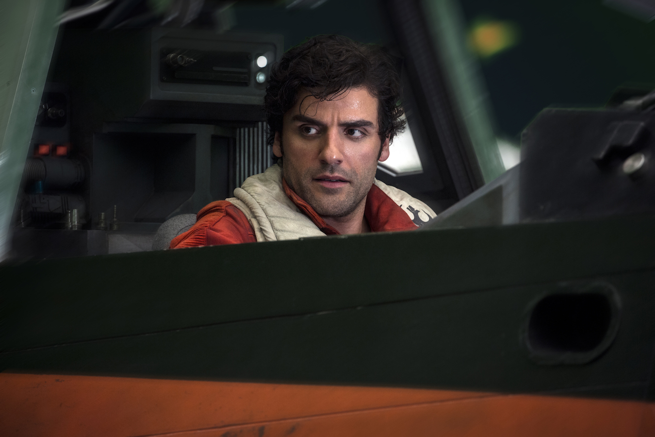 Watch Oscar Isaac Get Slapped Over and Over by Carrie Fisher for 'The Last Jedi'