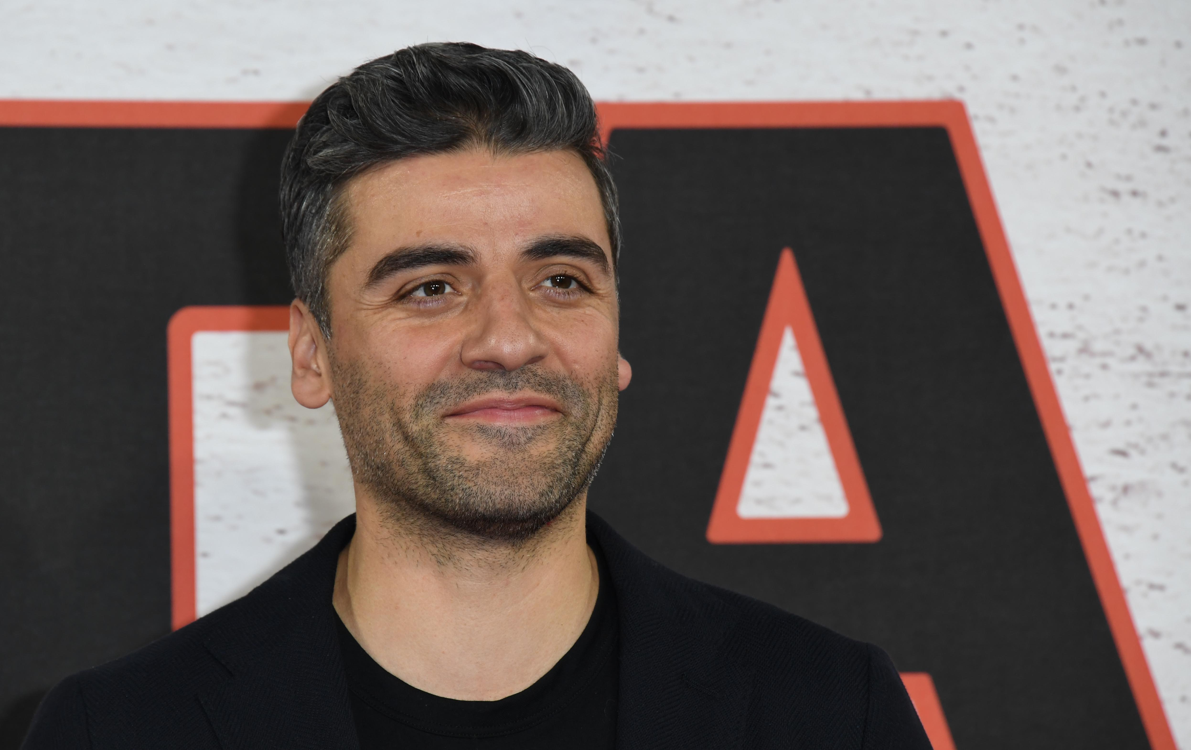 Oscar Isaac On Filming 'Star Wars: The Last Jedi' and 'Annihilation' at the Same Time