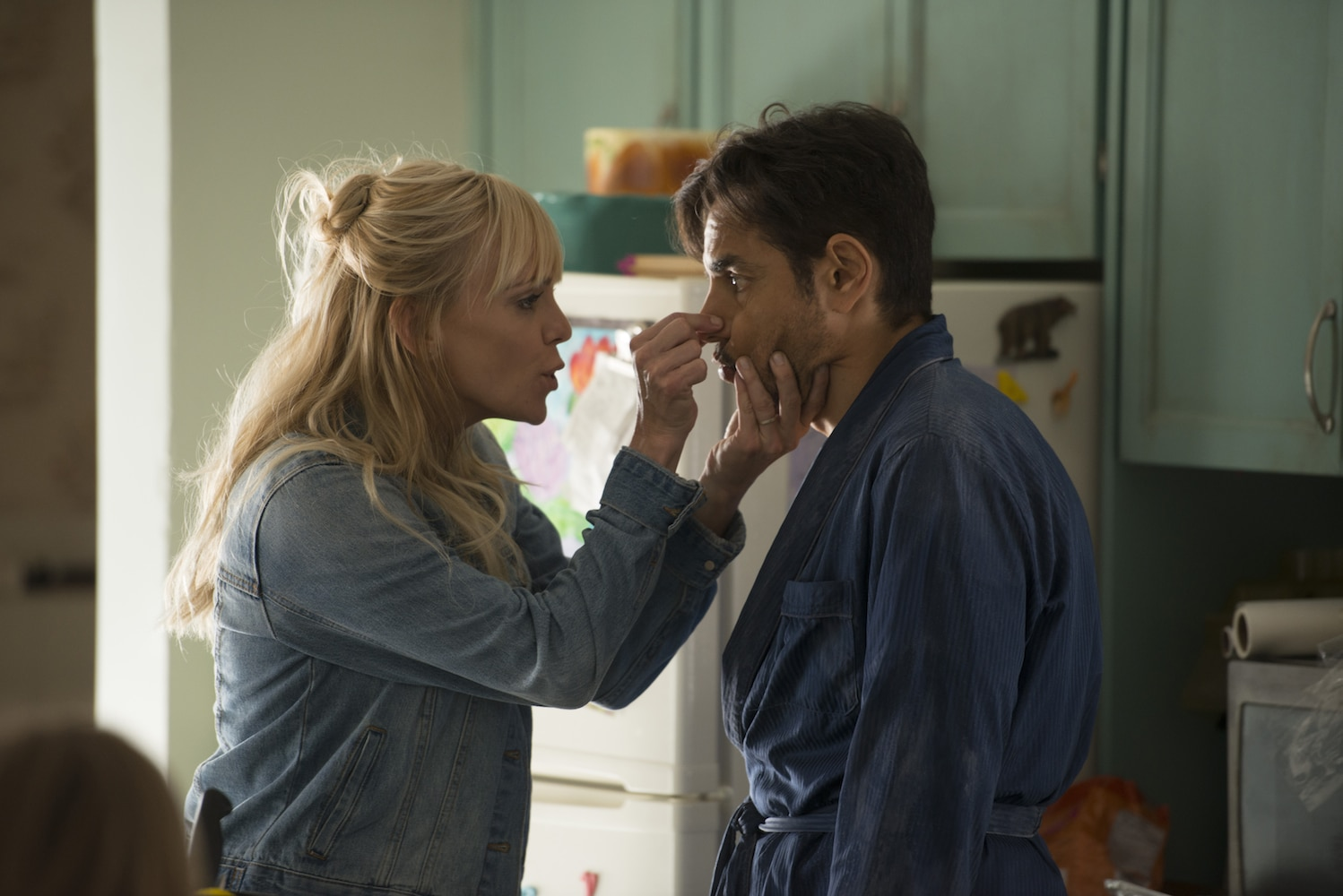 TRAILER: Eugenio Derbez Takes on Goldie Hawn's Role in Remake of 'Overboard'