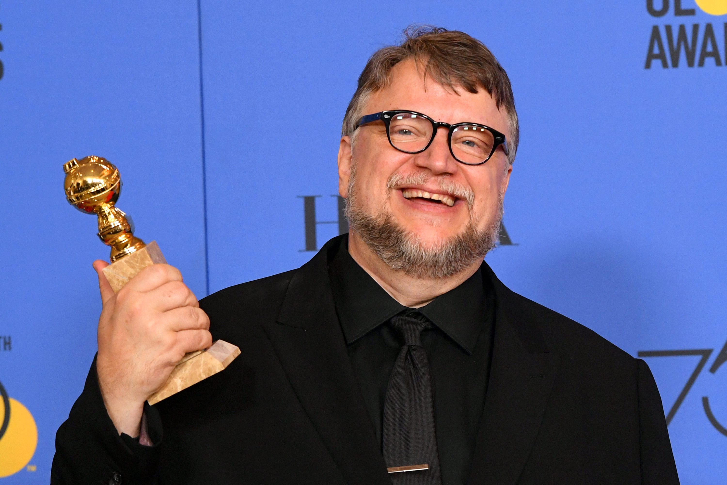 "Guillermo del Toro Accidentally Started the Hilarious ""Porque Soy Mexicano"" Meme"