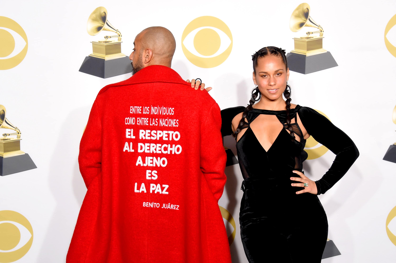 Swizz Beatz Wore a Benito Juárez Quote on His Coat at the 2018 Grammys