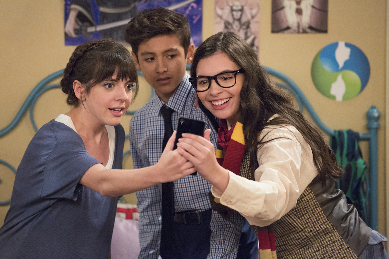 'One Day at a Time' Writers Are Back at Work & the Internet Is Muy Excited
