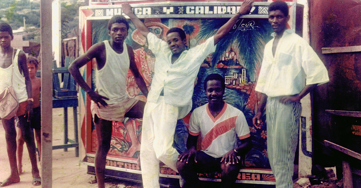 These Bold Technicolor Photos Capture the Golden Age of Afro-Colombian Picó Culture