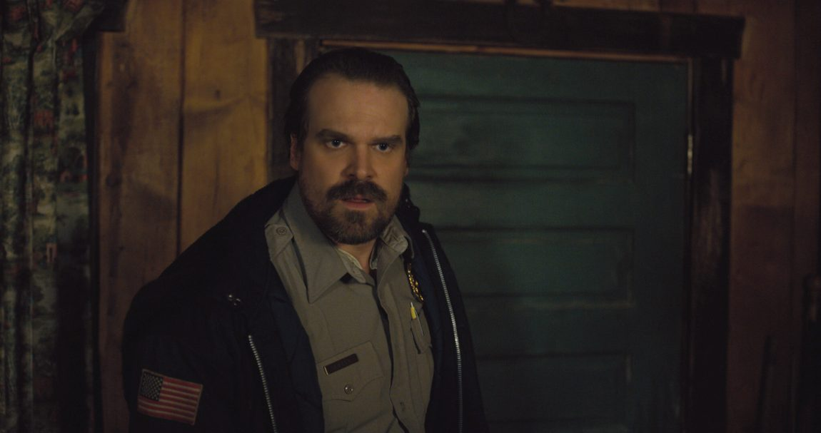 David Harbour Agrees to Officiate Fan's Wedding for Retweets and Cake