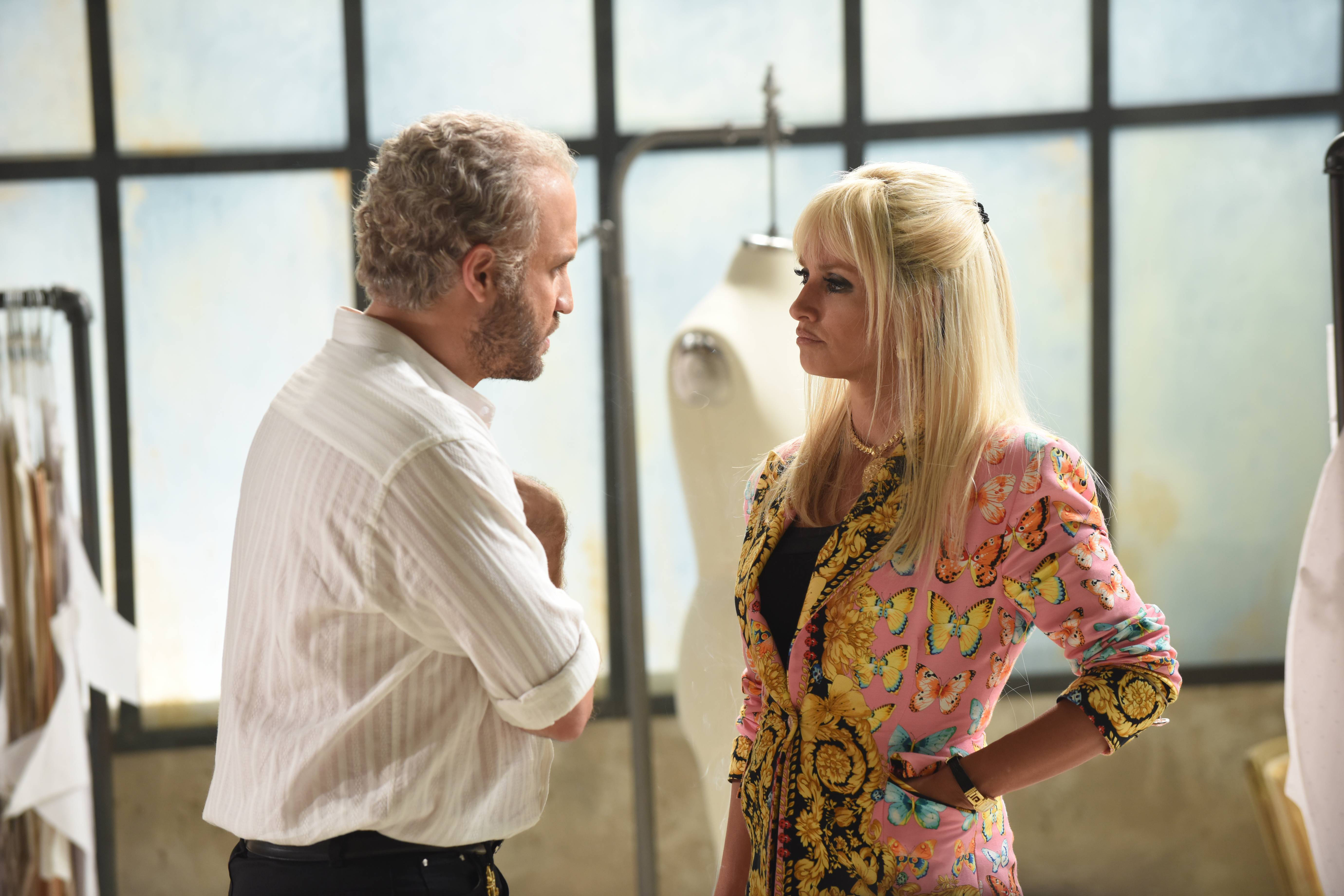 On 'The Assassination of Gianni Versace,' Gianni Weighs the Consequences of Coming Out Publicly
