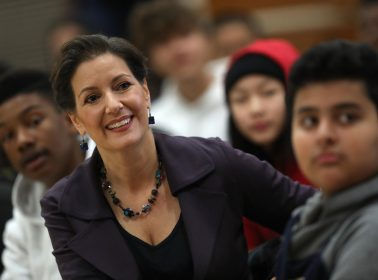 Oakland Mayor Called Hero After Warning Undocumented Immigrants of Possible Raids