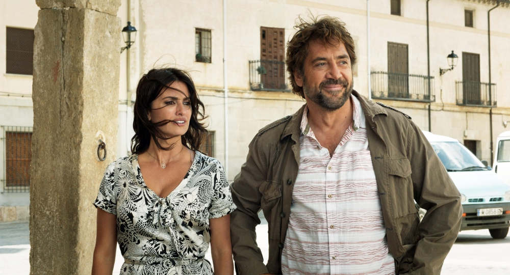 Sparks Fly On-Screen Between Real-Life Couple Penelope Cruz & Javier Bardem in 'Everybody Knows'
