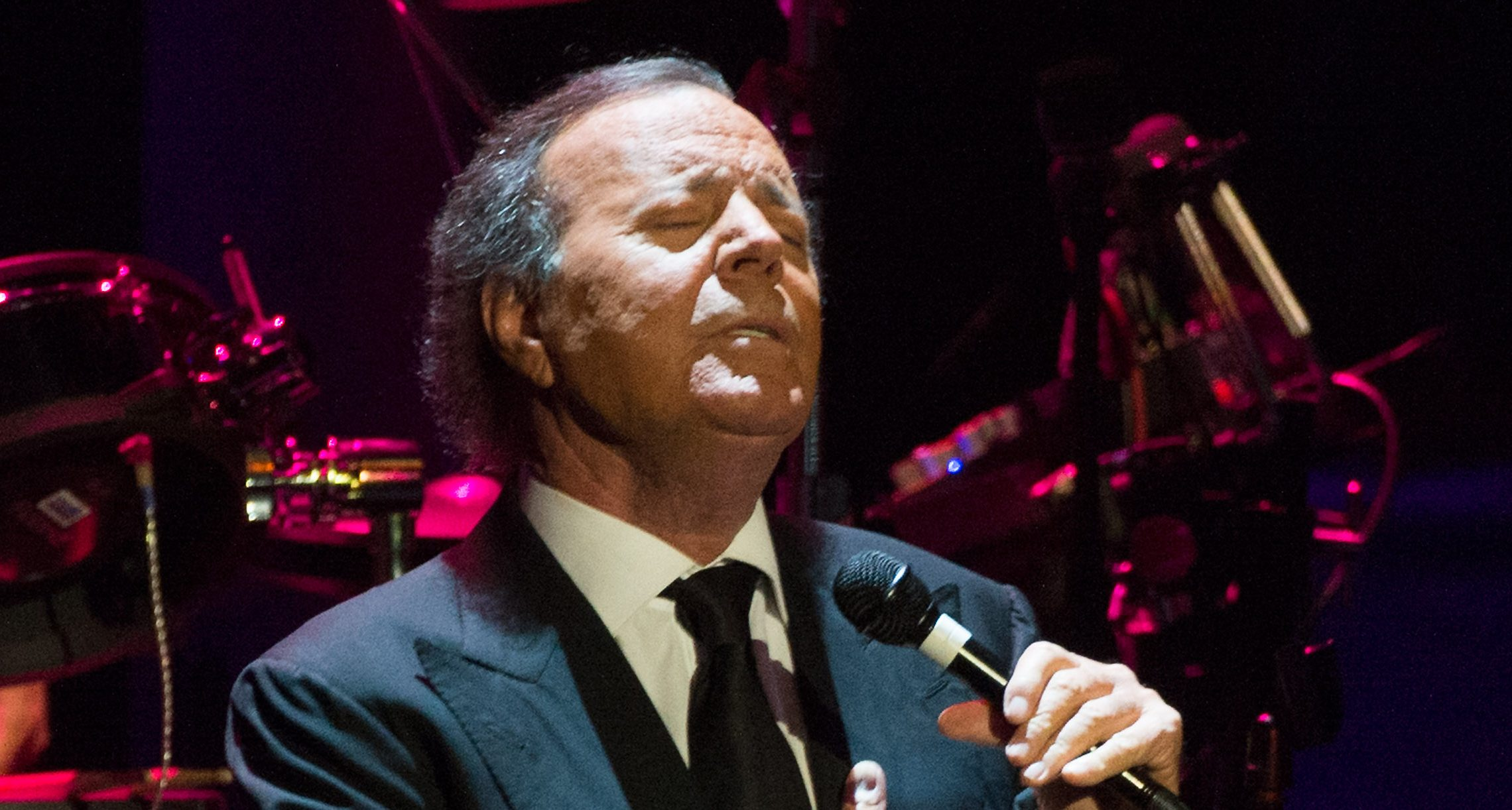 Iconic Singer Julio Iglesias Is Getting a Show About His Life
