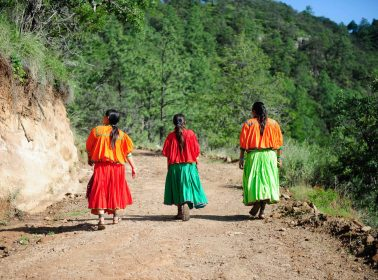 Decorated Tarahumara Runner Calls on AMLO's Support so She Can Continue Racing