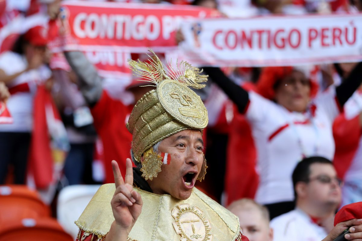 The Most Emotional Fan Reactions to Peru's First World Cup Goal in 36 Years