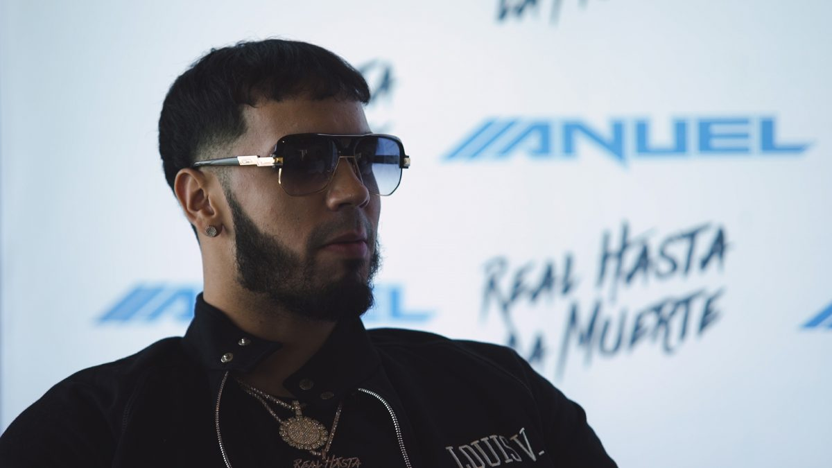 Anuel AA & Floyd Mayweather Faced Off in a Game of Basketball