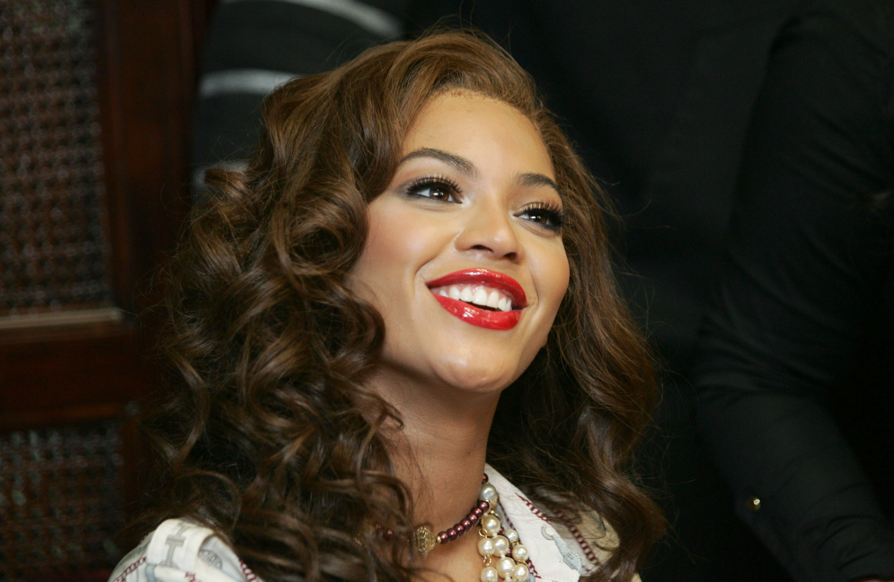 5 Things you Should Know About Beyoncé's 2007 Spanish Single 'Amor Gitano'