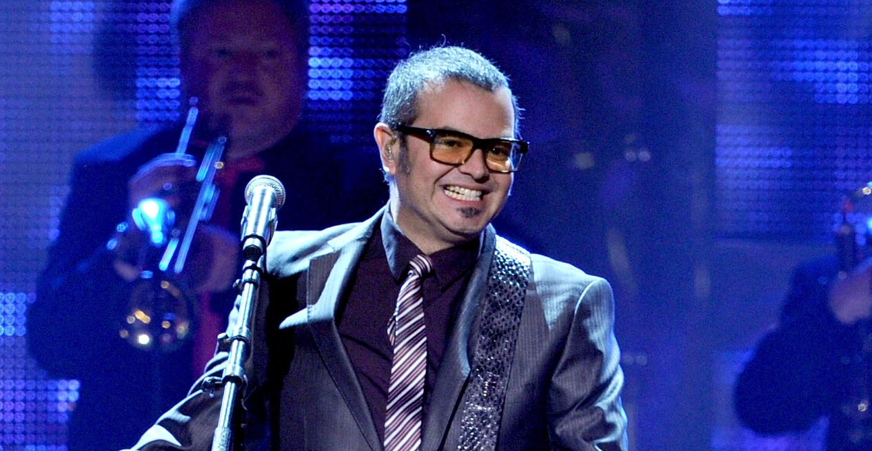 "Aleks Syntek On Allegations of Sending Sexual Messages to Teen: ""Completely False"""