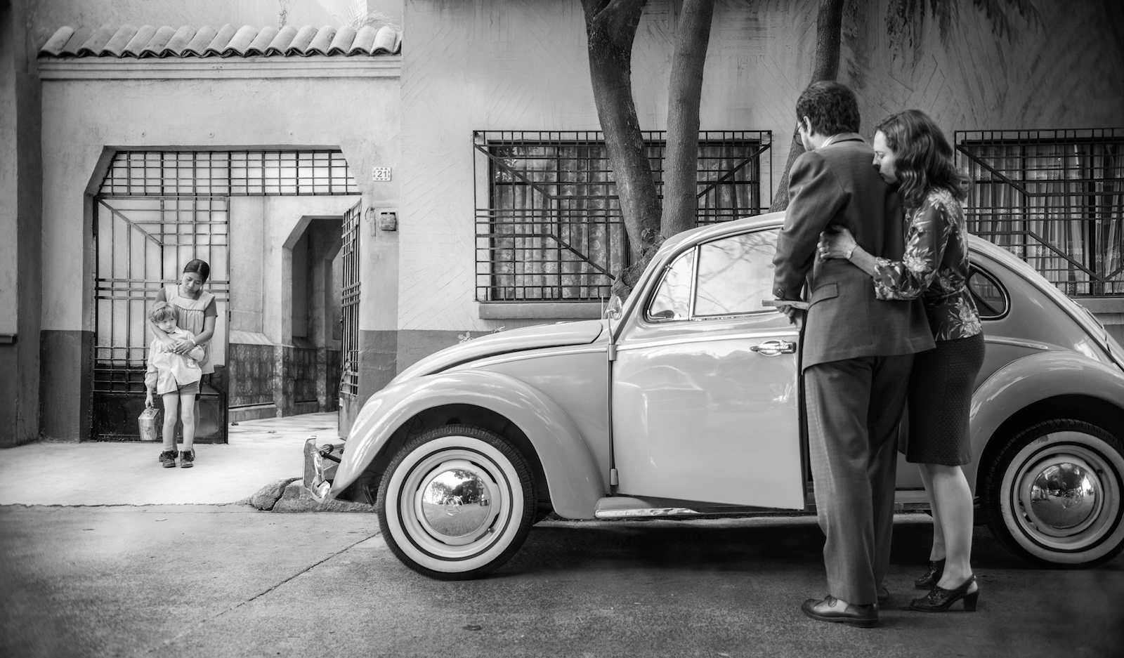 What Latino Film Critics Are Saying About Alfonso Cuarón's 'Roma'