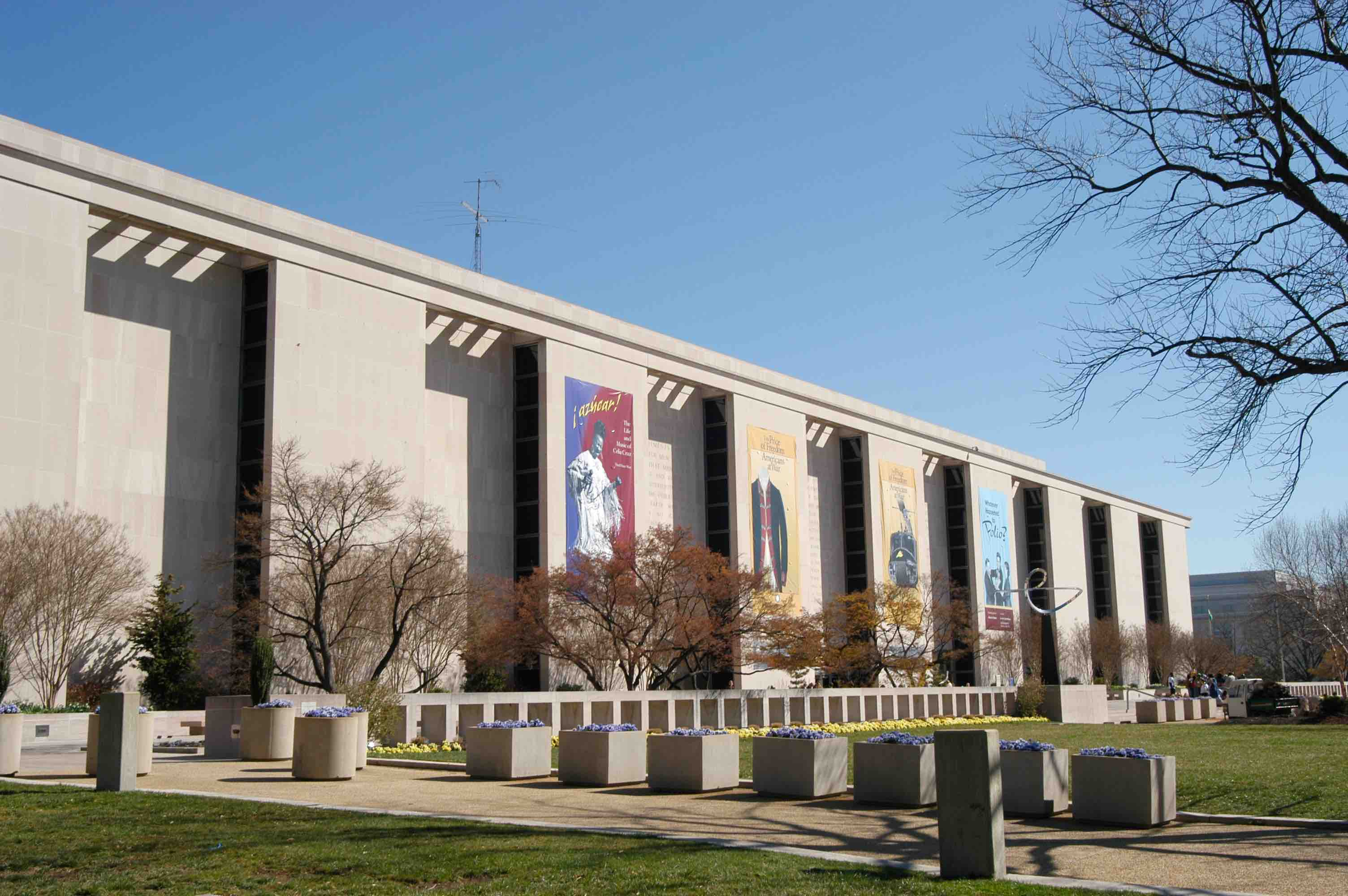 Molina Siblings Donate $10M for the Creation of the Smithsonian's First Permanent Latino Gallery Space