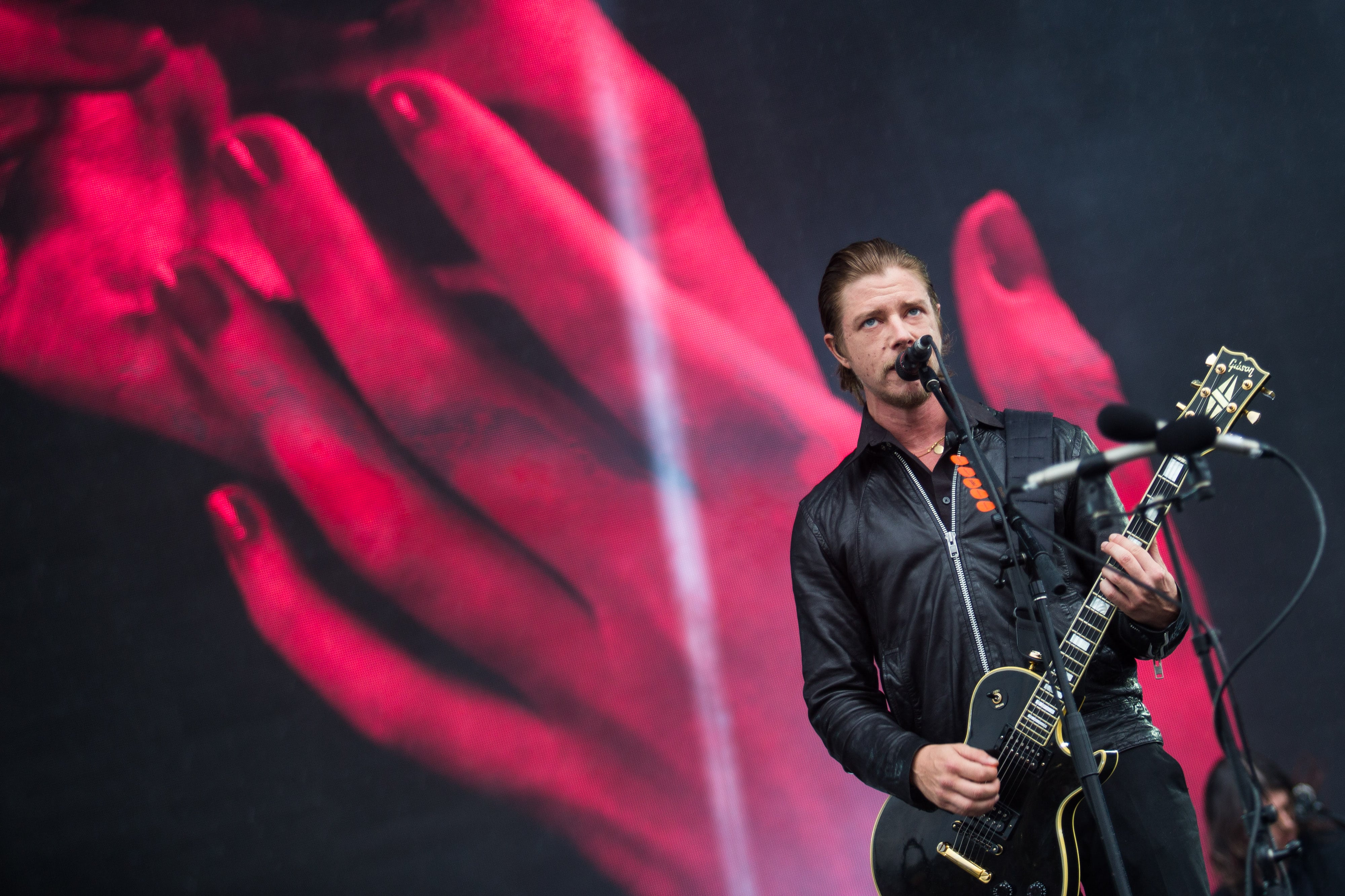 This is How Twitter Reacted After Finding Out Interpol's Paul Banks is a Reggaeton Fan