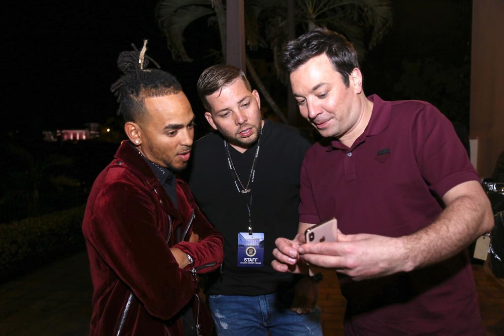 7e173991d8 Ozuna with manager Vicente Saavedra and Jimmy Fallon in Puerto Rico.  Courtesy of Dímelo Vi