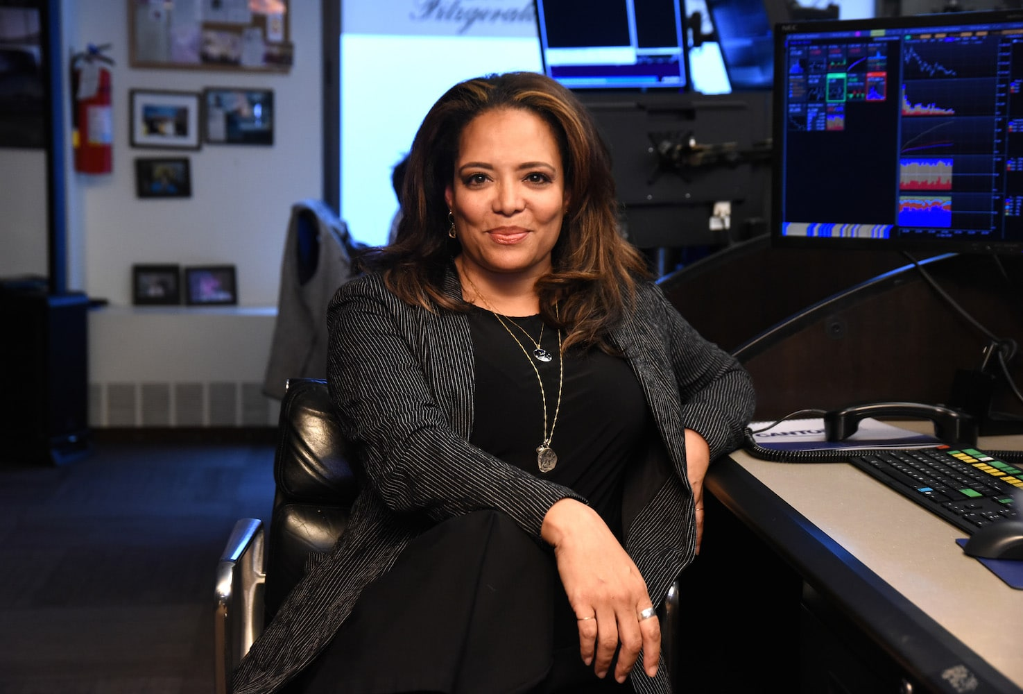 Luna Lauren Velez Returns to 'New York Undercover' for Reboot