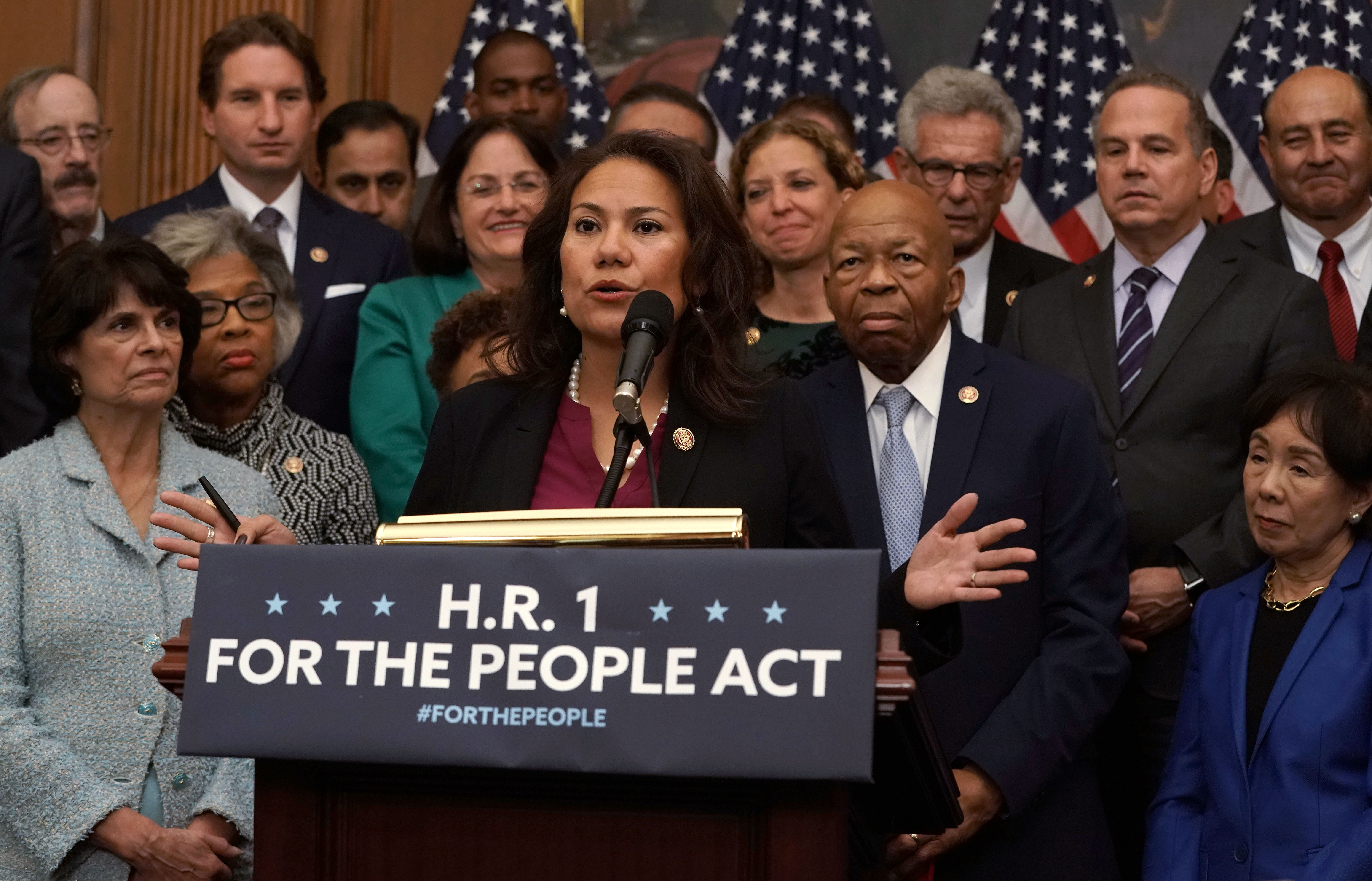 """People Think Rep. Veronica Escobar Said """"No Mames"""" During Trump's State of the Union"""