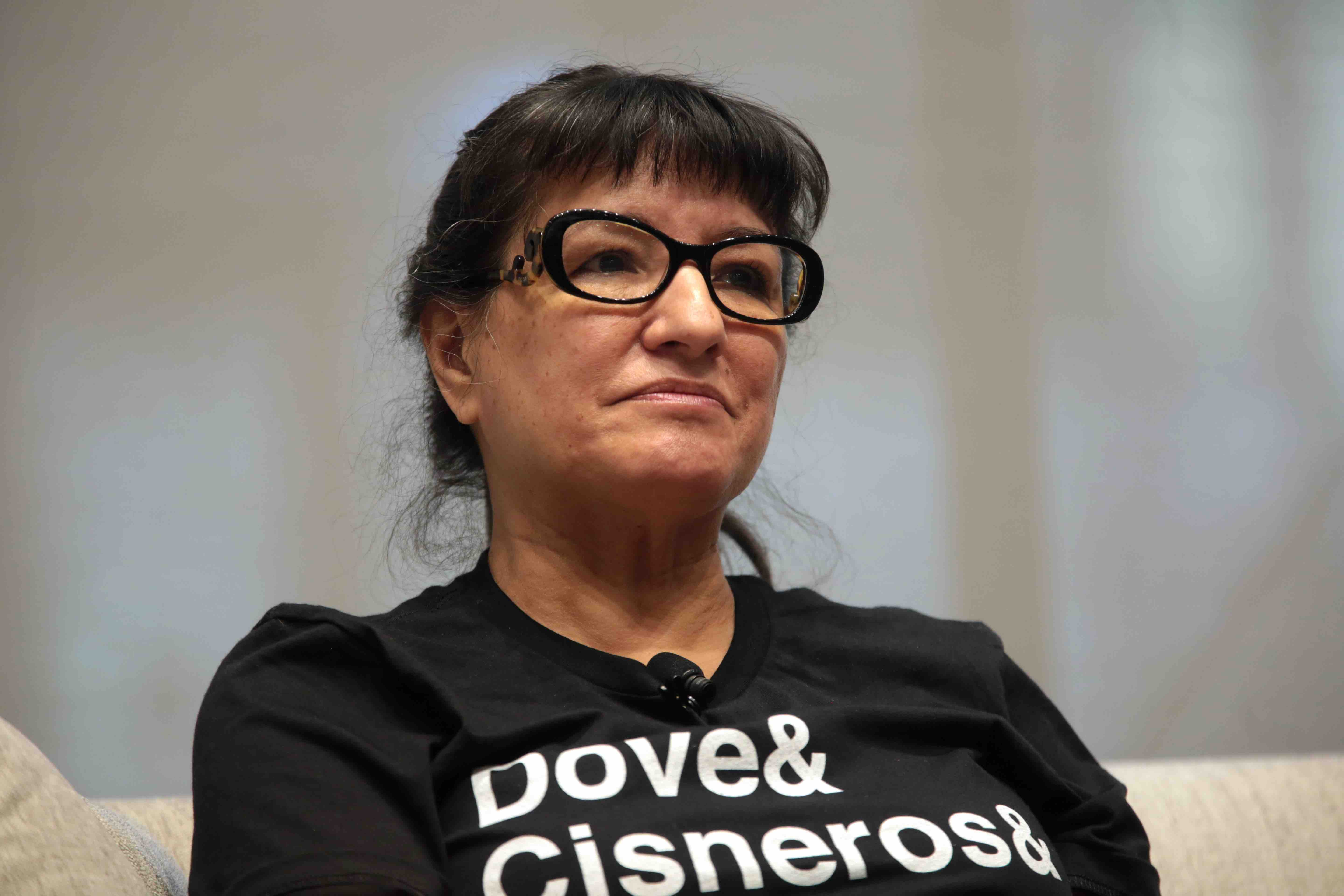 "Sandra Cisneros Calls Critics of Highly Controversial 'American Dirt' Novel ""Exagerados"""