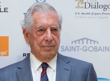 Mario Vargas Llosa Challenges AMLO About the Treatment of Indigenous People in Mexico