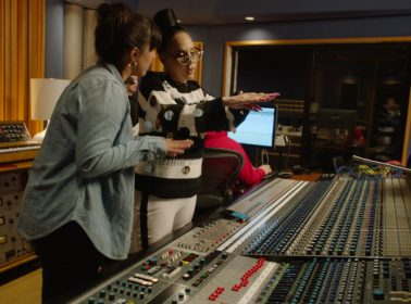 "Ivy Queen Re-Records Her Feminist Reggaeton Anthem ""Quiero Bailar"" With Female-Led Sound Engineers"