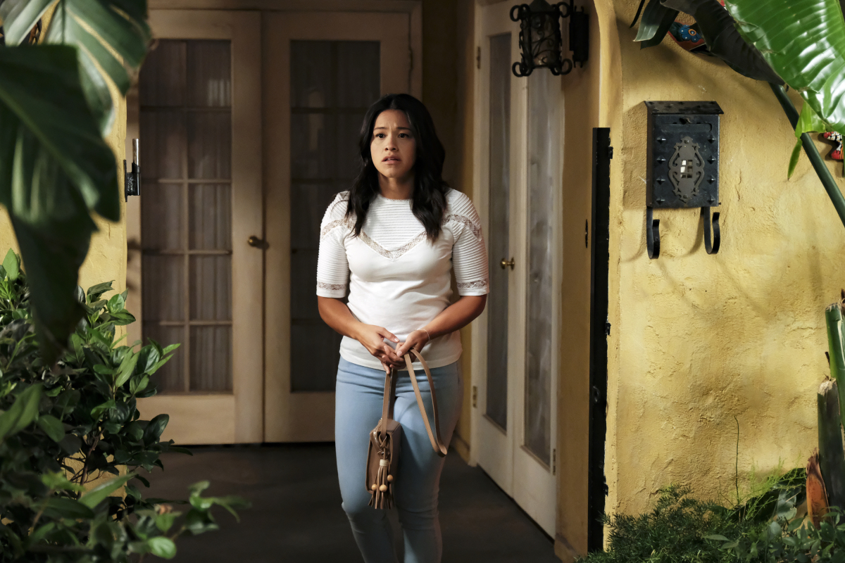 'Jane the Virgin' Recap: How Do You Ask Your Husband Who's Back From the Dead for a Divorce?