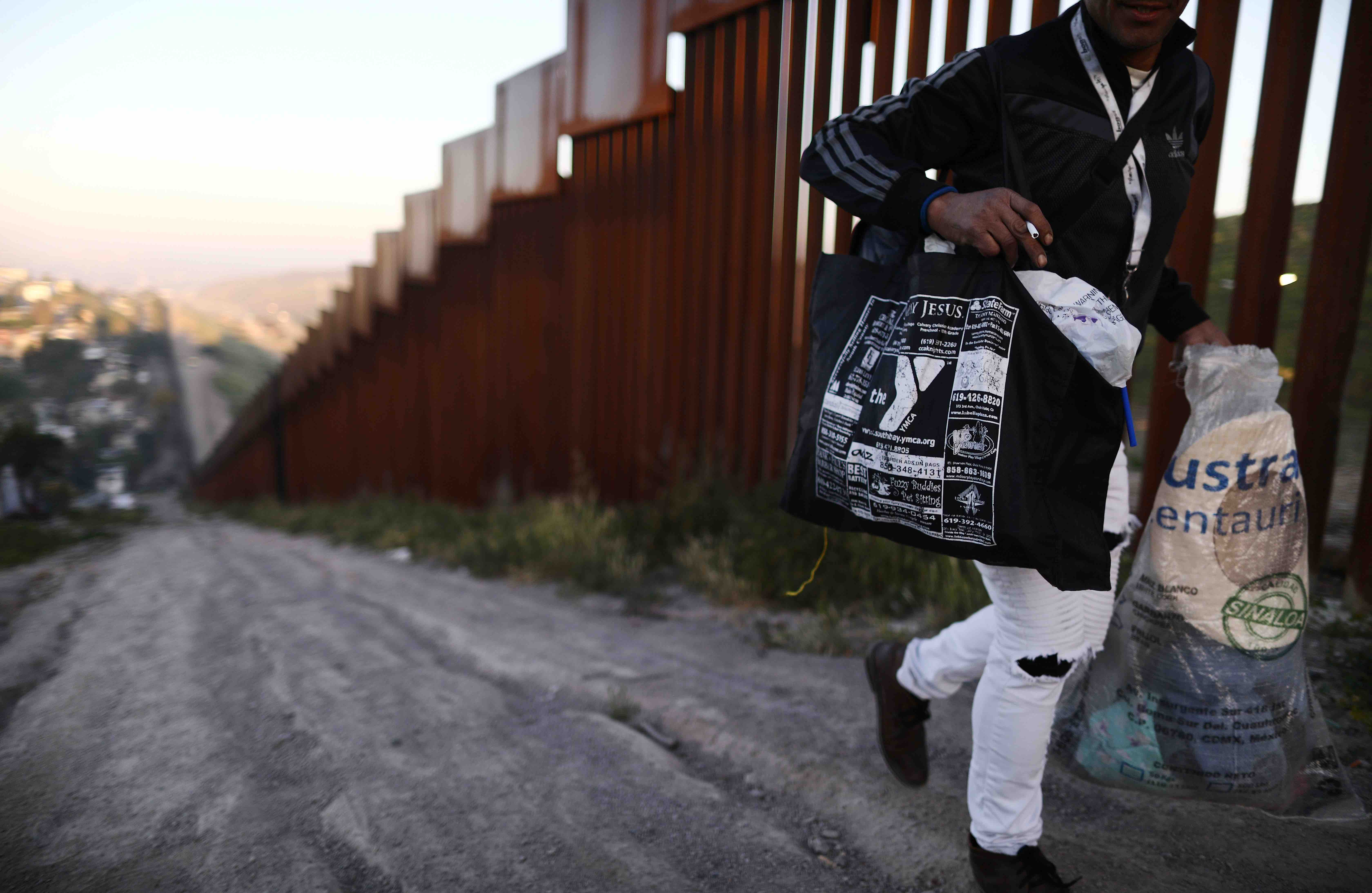Op-Ed: We Shouldn't Need Graphic Photos of Central American Bodies to Feel Sympathy
