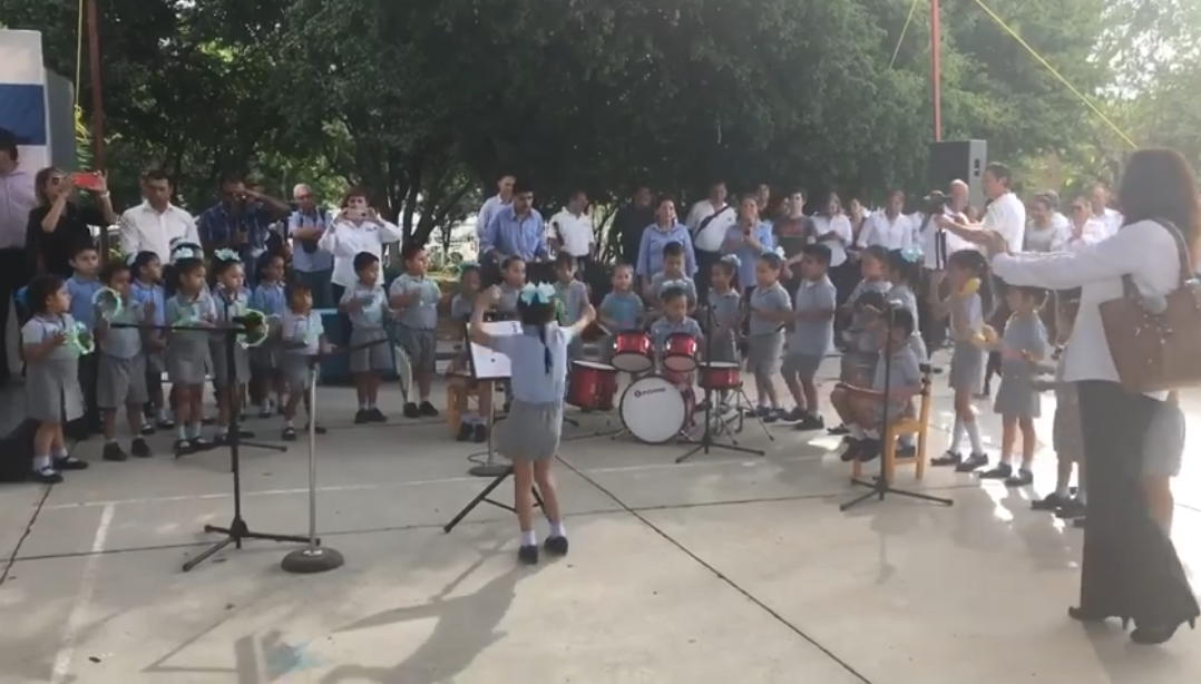 Mexican Kindergartener Oxana Thaili Stole Internet's Heart With Energetic Orchestra Conducting Style