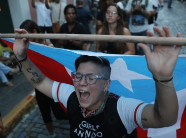 Elizabeth Warren Is Only 2020 Candidate to Comment on Puerto Rico's Governor Crisis Amid Mass Protests