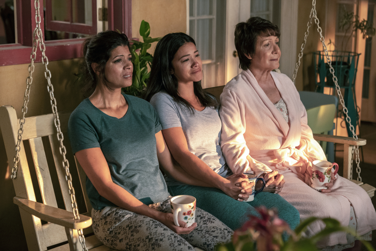 In 'Jane the Virgin's Final Episode, We Finally Find Out Who the Narrator Is