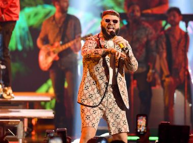 'Farruko: En Letra de Otro' Showcases the Versatile Singer's Evolution